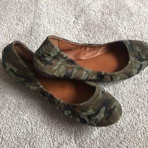 Lucky brand slip on shoe CAMO